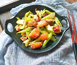 #春天肉菜这样吃#自制广式脆皮烧肉的做法