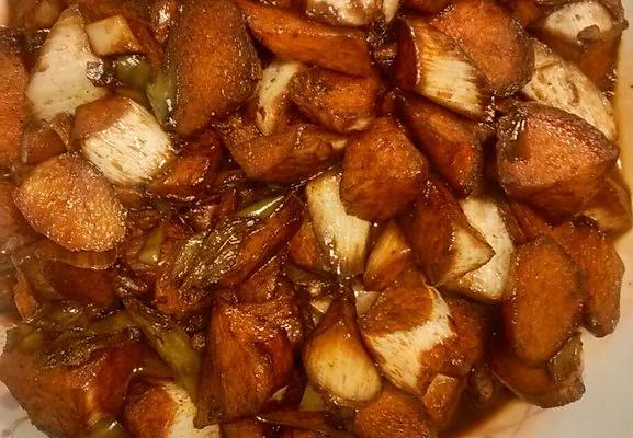 万万厨娘菜——油焖茭白的做法