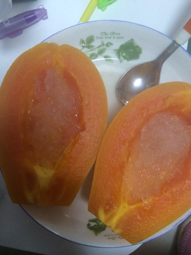 冰糖燕窝炖木瓜的做法图解3