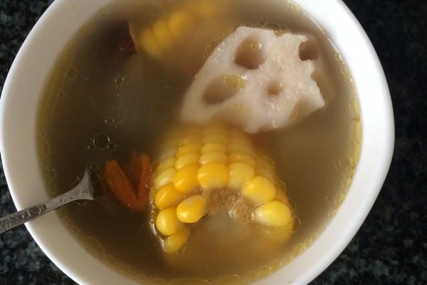 排骨莲藕玉米汤的做法