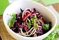 油泼紫甘蓝豆腐丝的做法