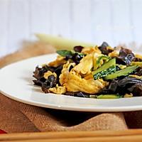 #520,美食撩动TA的心!# 木耳炒鸡蛋的做法图解10