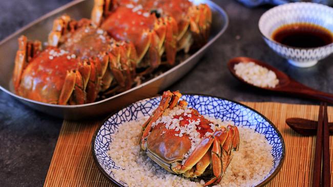 #晒出你的团圆大餐# 螃蟹花样做法:盐烤、清蒸、姜葱炒的做法