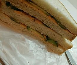 寝室简单-黄瓜三明治的做法