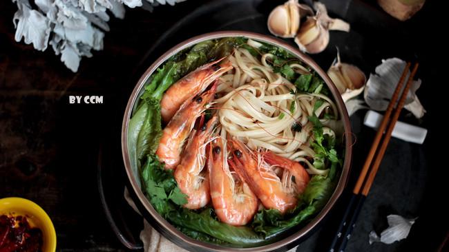 鲜虾清汤面的做法