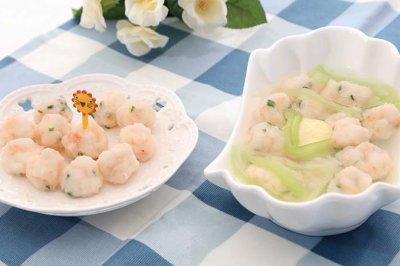宝辅食微课堂  黄瓜虾丸汤