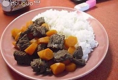 胡萝卜牛肉饭