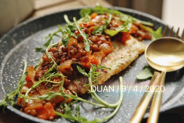 白葡萄酒茄汁小扁豆杂蔬煎鱼排的做法