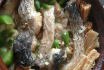 草鱼腐竹煲的做法