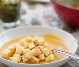 南瓜浓汤好喝的秘诀----奶香南瓜浓汤的做法