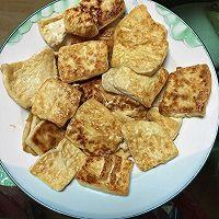 白玉镶金之煎嫩豆腐的做法图解6