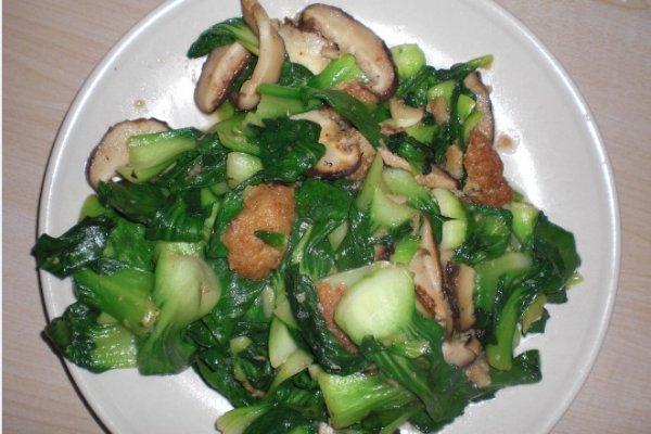 青菜炒香菇肉丸的做法