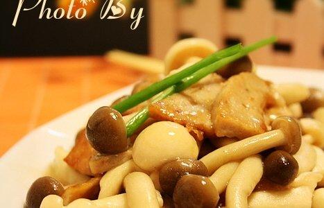 潮汕肉卷炒菌菇的做法
