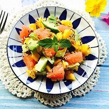 #春季食材大比拼#牛油果三色藜麦沙拉