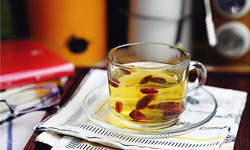 红枣西洋参枸杞茶的做法