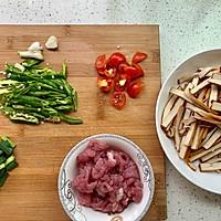 青椒肉丝炒干豆腐的做法图解1