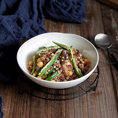 鹰嘴豆香菇烩荞麦饭