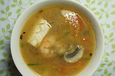 西红柿虾仁豆腐汤