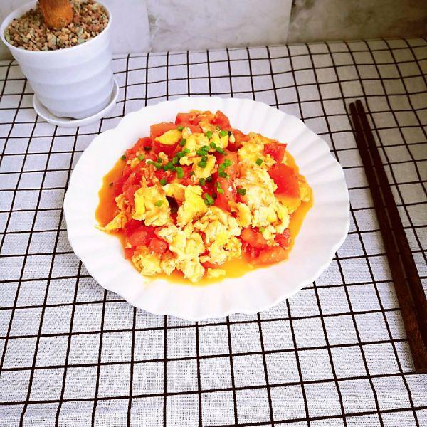 上海女孩都会的~番茄炒鸡蛋的做法