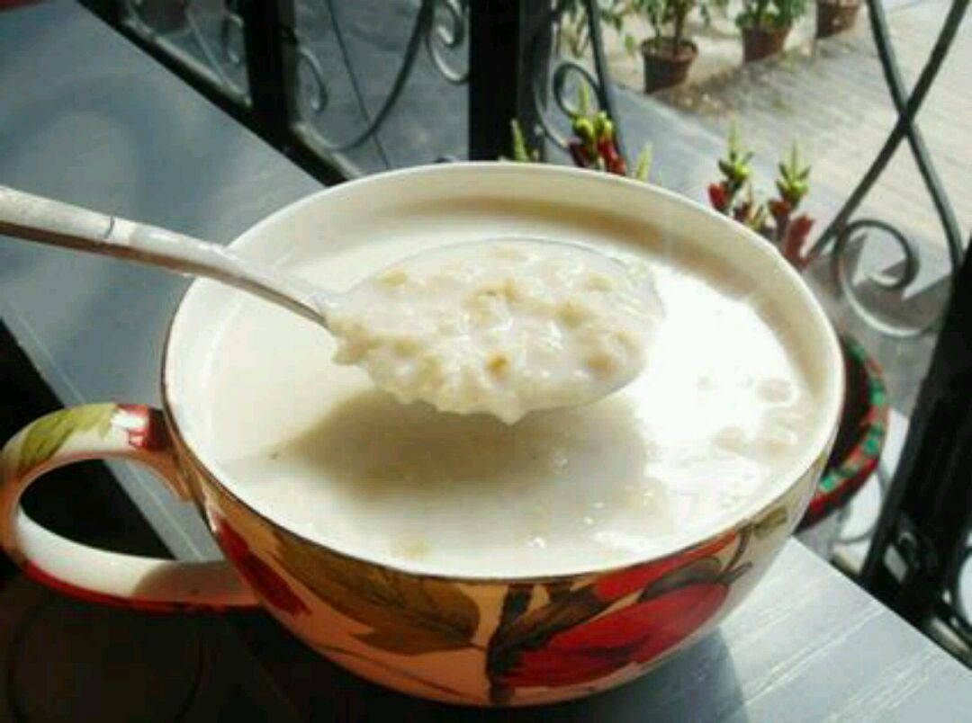 燕麦片牛奶的做法_营养早餐——牛奶燕麦的做法
