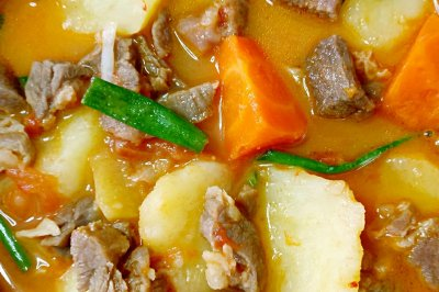 土豆西红柿胡萝卜炖牛肉