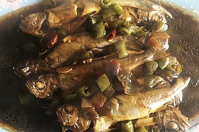 零失败铁锅焖黄花鱼