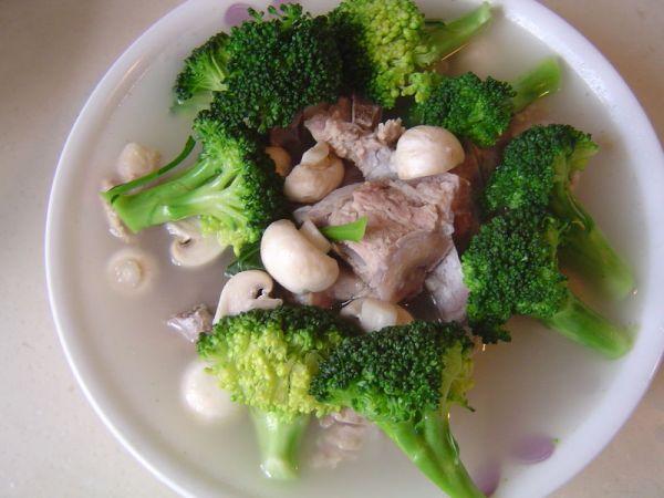 小排时蔬汤的做法