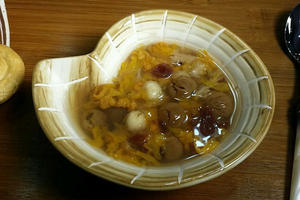 【蔓德拉的厨房】 黄金耳糖水的做法