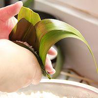 鲜肉鸭蛋黄粽子(内含红豆大枣口味)的做法图解12