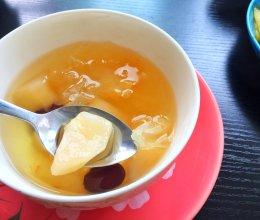 银耳雪梨红枣汤(滋阴润肺养颜)的做法