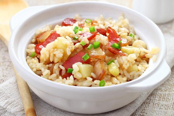 土豆焖饭怎么做