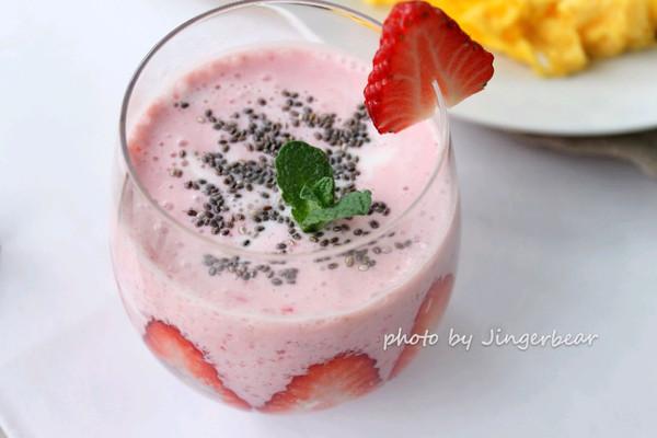 草莓思慕雪