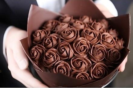 玫瑰夹馅巧克力的做法