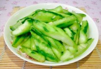 分享:如何炒出青脆鲜甜的养颜瓜--清炒丝瓜的做法