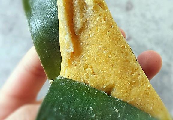粽叶玉米粑的做法