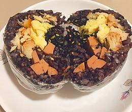 三色糙米饭团的做法