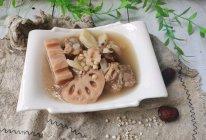 薏米莲藕排骨汤的做法