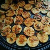 利仁电饼铛试用之香辣煎豆腐卷的做法图解4