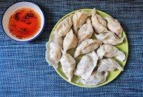 #一人一道拿手菜#鲜的不要不要的虾仁龙利鱼水饺的做法