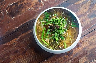 蒙自传统小锅米线