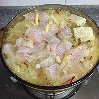 酸菜龙俐鱼汤的做法图解6