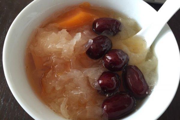 银耳红枣木瓜汤的做法