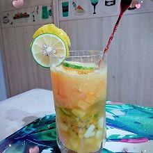 凉夏缤纷水果冰饮