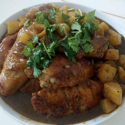 咖喱鸡翅土豆饭