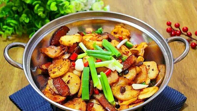 土豆君来了(干锅土豆)的做法