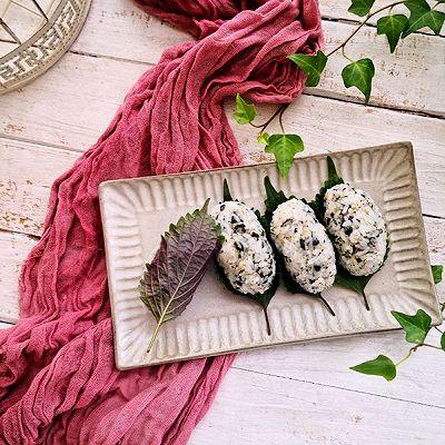 紫苏海苔饭团