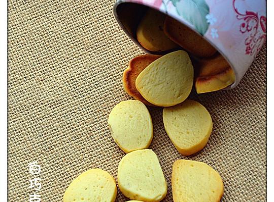 超简配方白巧克力饼干的做法