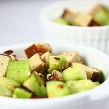 黄瓜拌豆干