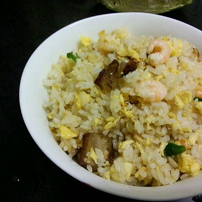 大喜大牛肉粉试用之腊味虾仁蛋炒饭的做法 步骤10