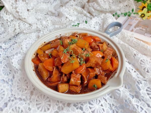 #秋天怎么吃#快手红烧肉的做法
